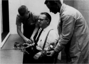 Les chocs électriques de Milgram