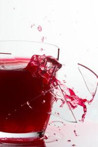 Peut-on faire éclater un verre de cristal en chantant fort?